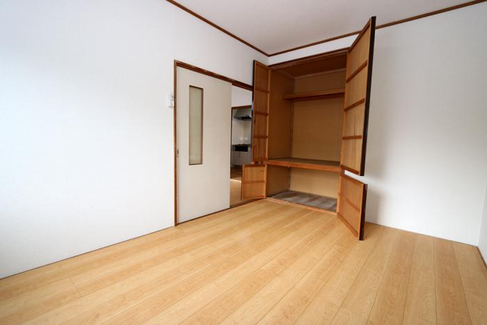南側(寝室)