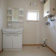 洗髪洗面台、洗濯機置場