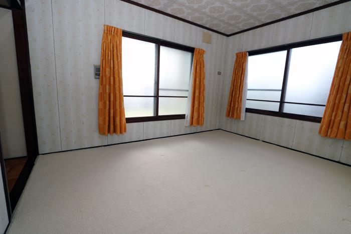 2階西側和室(寝室)
