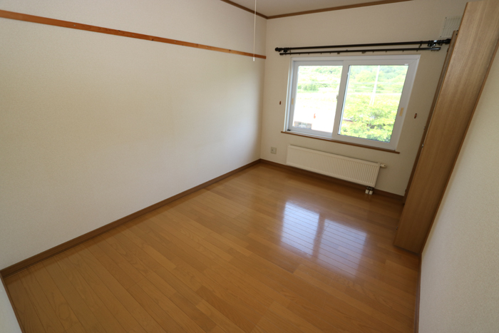 北側洋室(寝室)