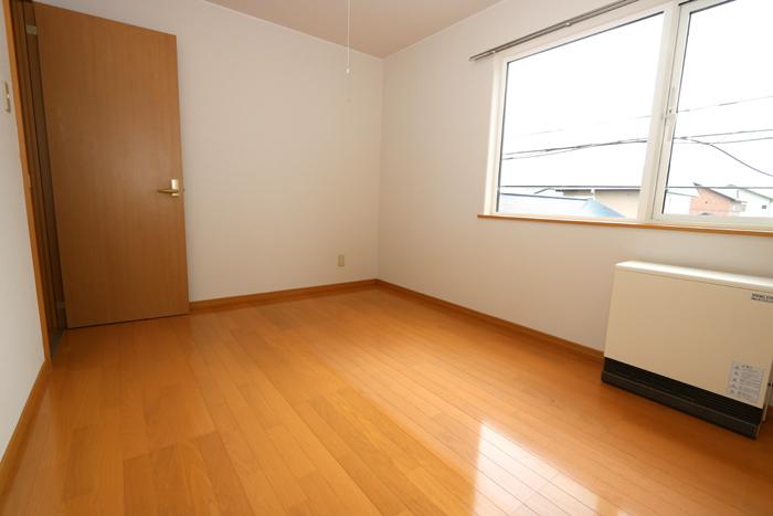 クローゼットが1箇所ある洋室です(寝室)