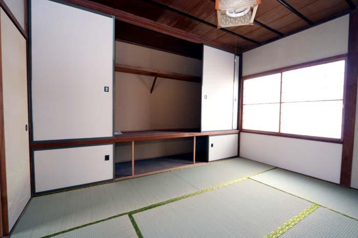北側和室(寝室)
