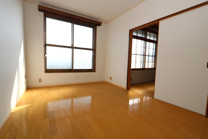 2階洋室(6帖)(寝室)