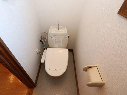 水洗トイレ(温水便座)