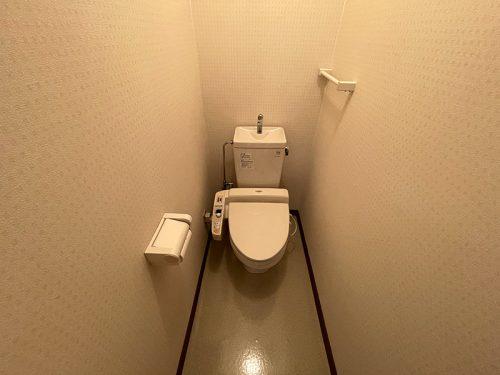 水洗トイレ(温水洗浄便座)