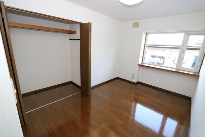 北側洋室6.5帖(寝室)