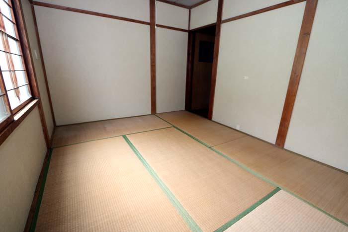 東側和室(寝室)